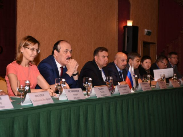 VII съезд Ассамблеи народов России, 20-летний юбилей организации, международная деятельность и другие актуальные темы обсуждены на заседании Совета Ассамблеи